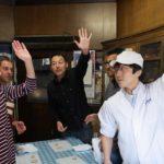 伏見駿河屋さんでの京菓子づくり体験の様子
